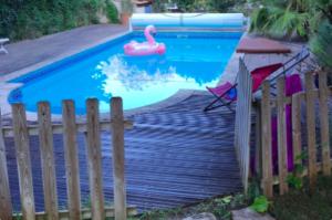Découvrir Marseille autrement : louer une piscine Swimmy