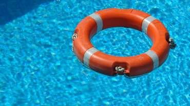 bouée de sauvetage piscine