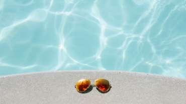 piscine ensoleillé