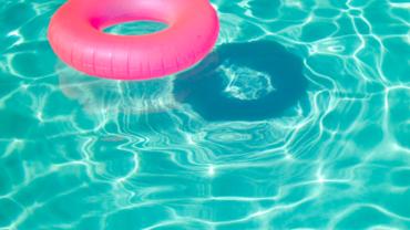 Anniversaire autour d'une piscine privée à Lyon