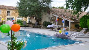 Faites votre anniversaire au bord d'une piscine privée à Avignon