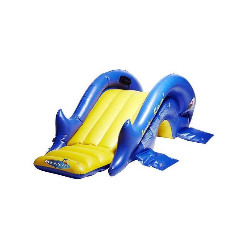 Installer un toboggan gonflable pour votre piscine