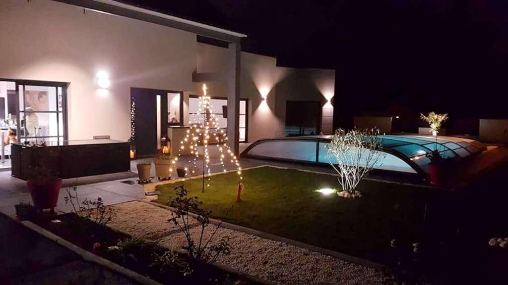 Installer de l'éclairage pour décorer sa piscine