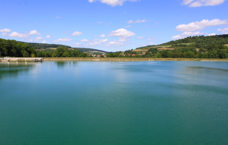 Le réservoir de Grosbois en Montagne pour se baigner à Dijon