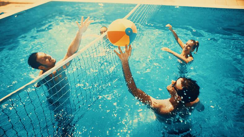 Team building dans une piscine
