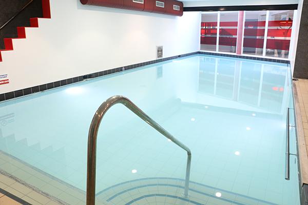 Odeur de chlore dans la piscine